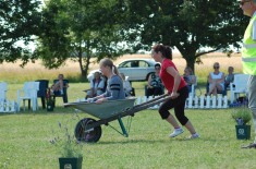 Svenskt deltagande i Wheelbarrow race, heja!